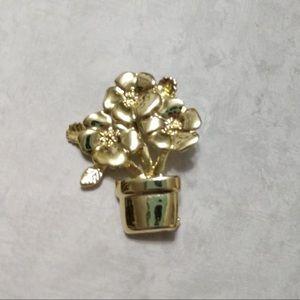 Flower pot pin
